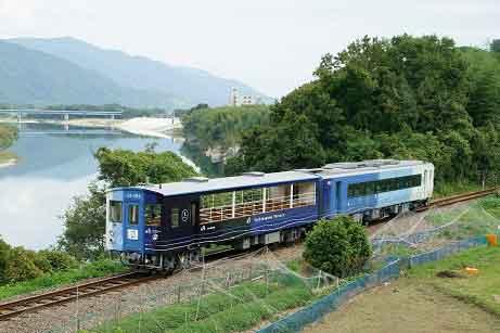 jr-shikoku-train1